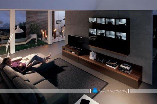 میز تلویزیون مدرن ویترین دار دیواری