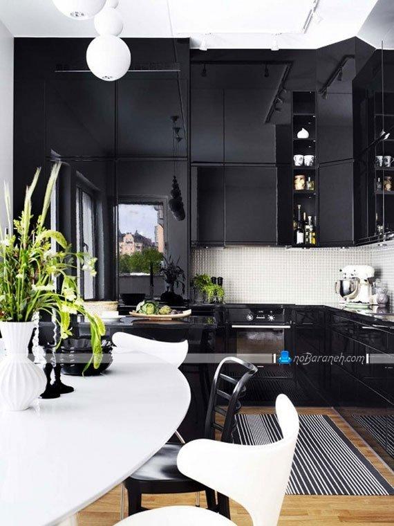مدل کابینت های سیاه رنگ و دیزاین شده با کاشی سفید