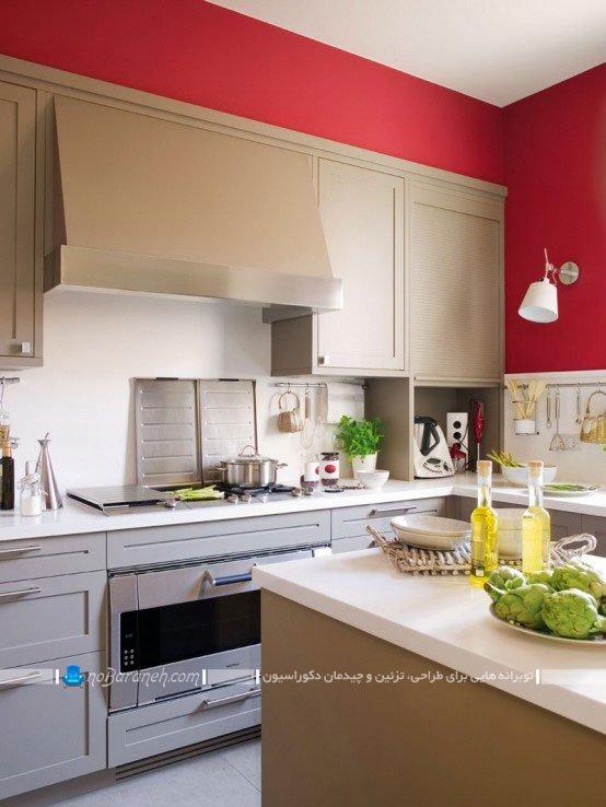 آشپزخانه بسته و سنتی با رنگ آمیزی قرمز و بژ