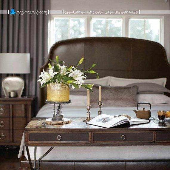 چیدمان میز در کنار تخت خواب