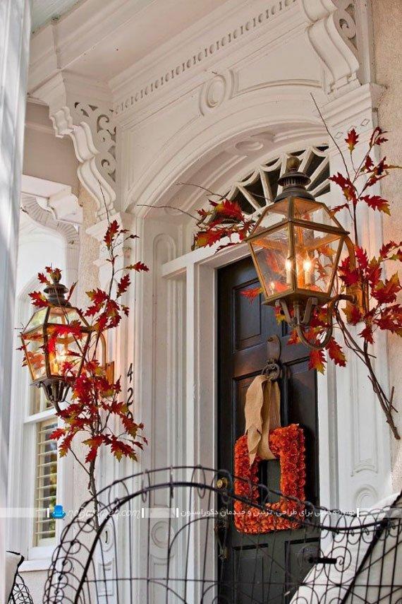 تزیین در ورودی خانه و منزل با برگ های پاییزی / عکس