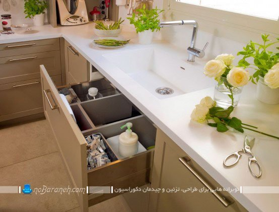 کابینت آشپزخانه با صفحه سفید رنگ