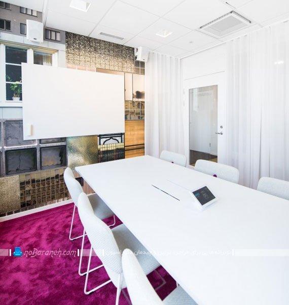 دکوراسیون اتاق جلسه اداری با رنگ سفید / عکس