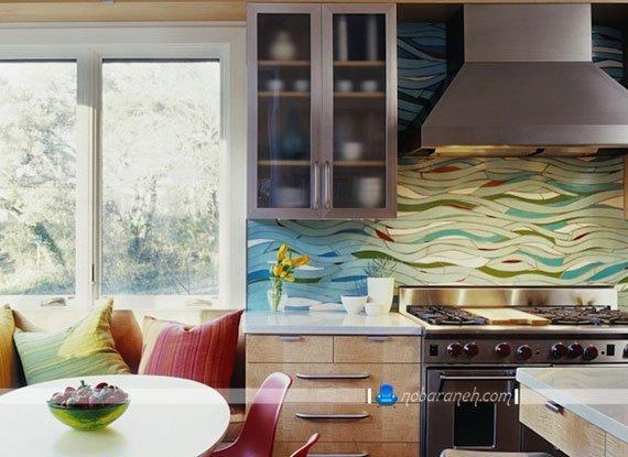 تزیین دیوار آشپزخانه با کاشی های موج دار، تزیین فضای اطراف هود آشپزخانه