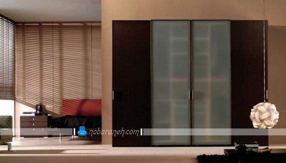 کمد لباس جادار با درب چوبی و شیشه ای