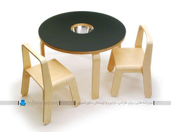 میز و صندلی چوبی کودک برای نقاشی کشیدن با گچ