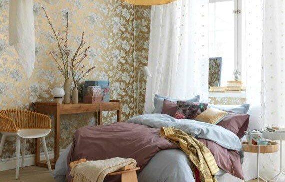 فریم بندی و پرده کشی فضای اطراف تخت خواب