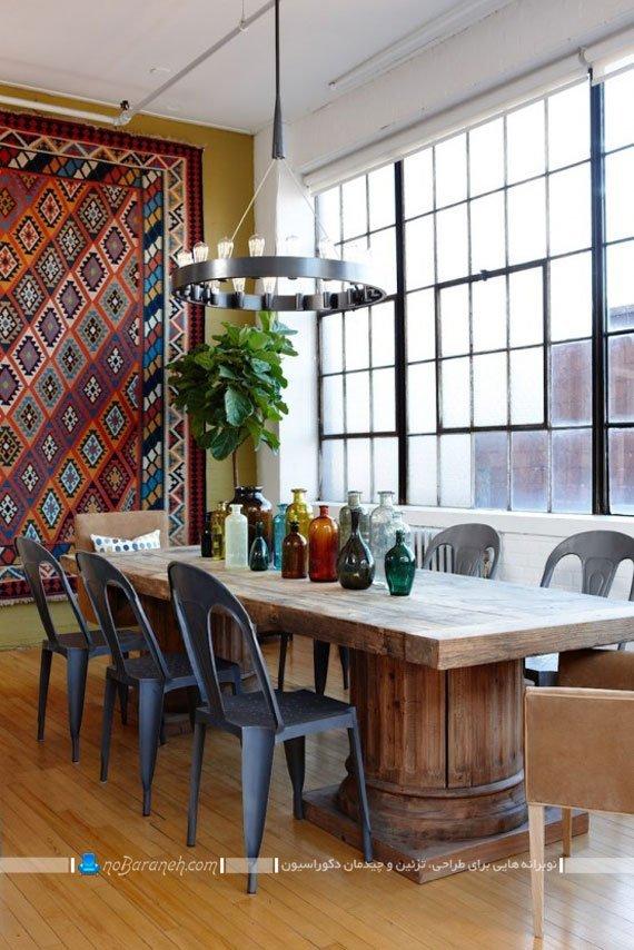 میز ناهارخوری چوبی با صندلی پلاستیکی / عکس
