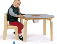 میز و صندلی کودک برای کشیدن نقاشی