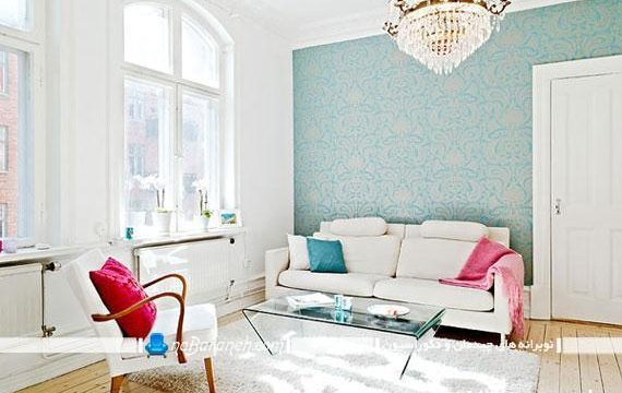 طراحی دکوراسیون اتاق نشیمن با رنگ آبی و قرمز
