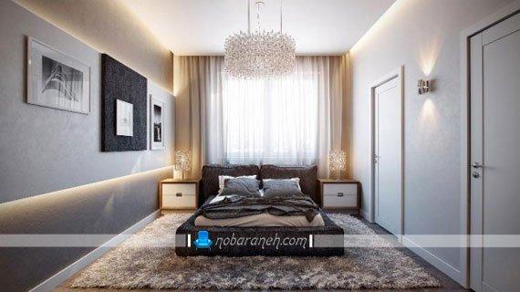 طراحی دکوراسیون مدرن در اتاق خواب با رنگ های سفید و خاکستری، پرده حریر کرم رنگ و ساده
