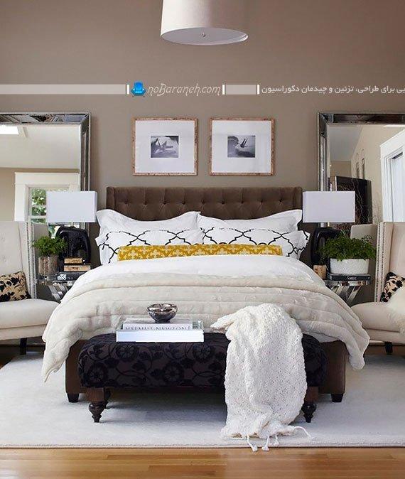 چیدمان پاف و مبلمان چوبی در کنار تخت خواب