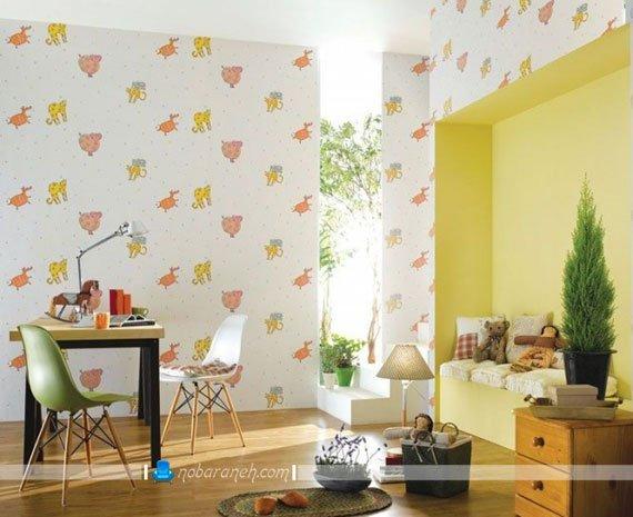 کاغذ دیواری اتاق کودک با زمینه سفید و طرح حیوانات
