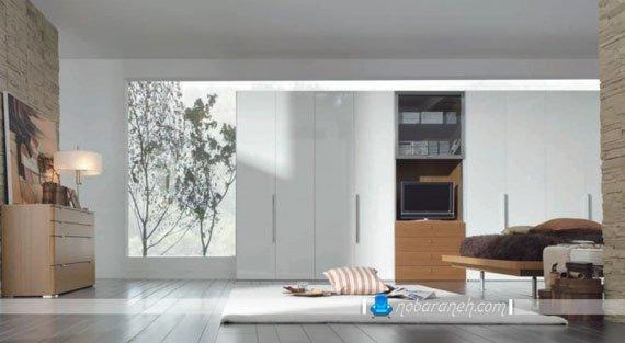 مدل کمد چوبی بزرگ با درب آکاردیونی برای اتاق خواب و نشیمن / عکس