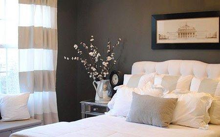 تزیین میز کنار تخت با گل های طبیعی / عکس