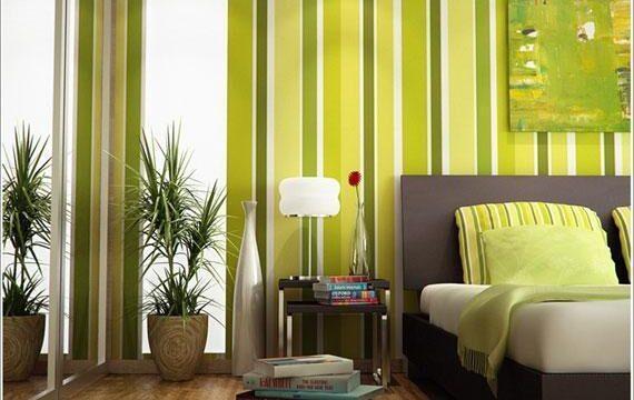 تزیین و دیزاین اتاق خواب با کاغذ دیواری سبز راهراه
