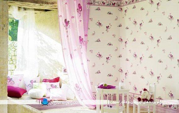 کاغذ دیواری سفید و صورتی فانتزی برای اتاق کودک دختر