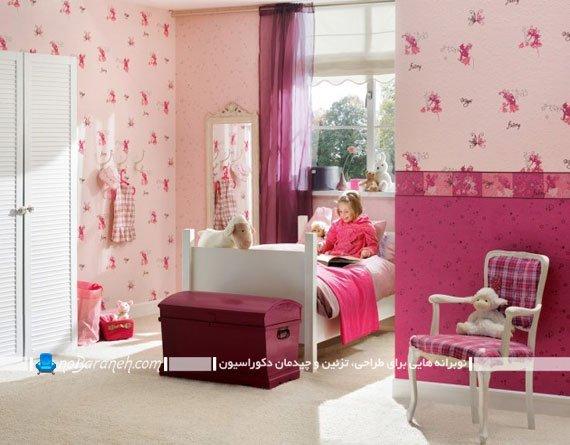 تزیین دخترانه اتاق بچه با کاغذ دیواری گل دار صورتی