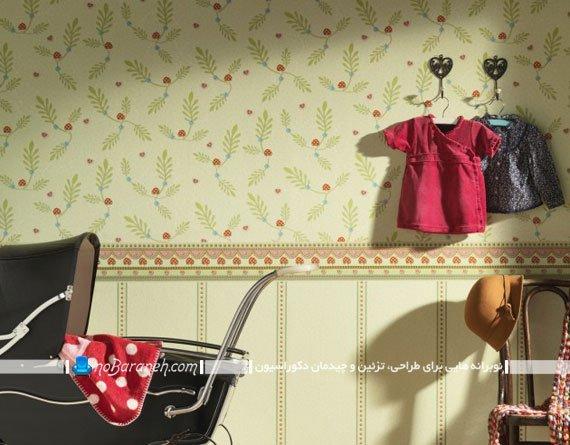 کاغذ دیواری گل گلی اتاق بچه با زمینه سبز روشن
