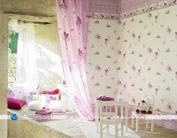 کاغذ دیواری دخترانه با طرح گلدار صورتی و زمینه سفید