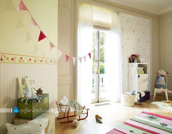 کاغذ دیواری ساده برای اتاق بچه ها با رنگ بندی روشن