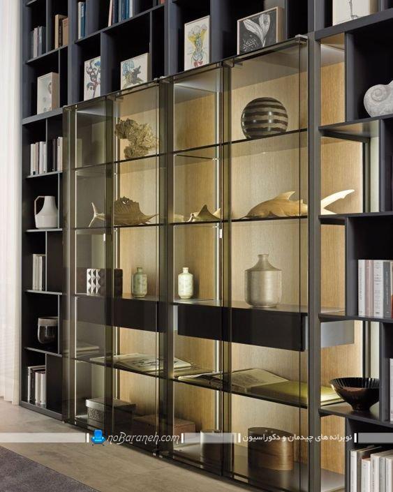 ویترین و کتابخانه شیشه ای و چوبی
