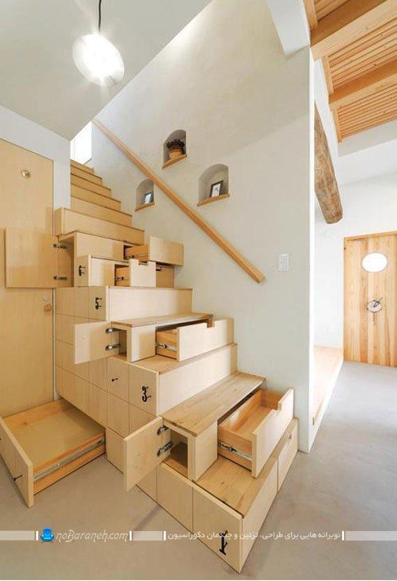 طراحی کمد و کابینت های کشویی جادار در فضای خالی زیر راه پله های دوبلکس