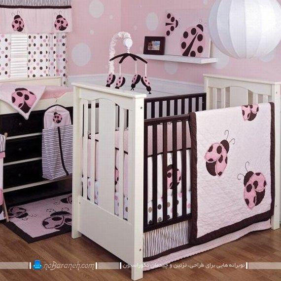 دیزاین دخترانه اتاق نوزاد با سفید، صورتی و قهوه ای / عکس