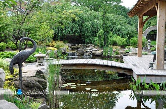 دیزاین حیاط خانه ویلایی با پل چوبی تزیینی