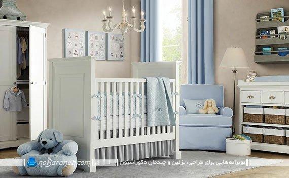 سیسمونی و دکوراسیون اتاق کودک نوزاد با رنگ بتدی سفید و آبی