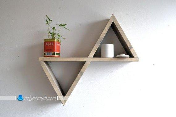 شلف چوبی دیواری و کوچک با طراحی ساده و تزیینی