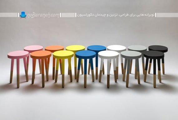 رنگ زدن صندلی های سه پایه چوبی