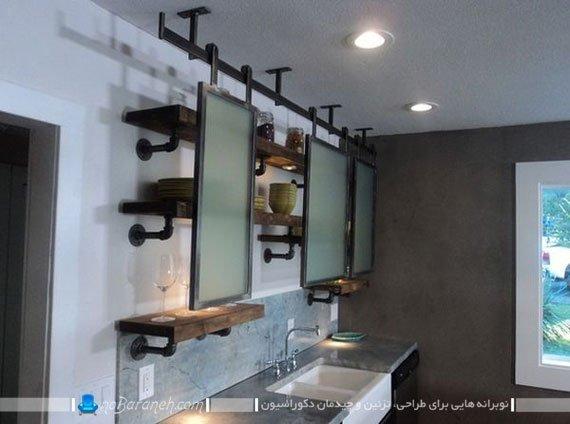قفسه بندی دیوارهای خانه با لوله های فلزی و صفحه چوبی نوبرانه