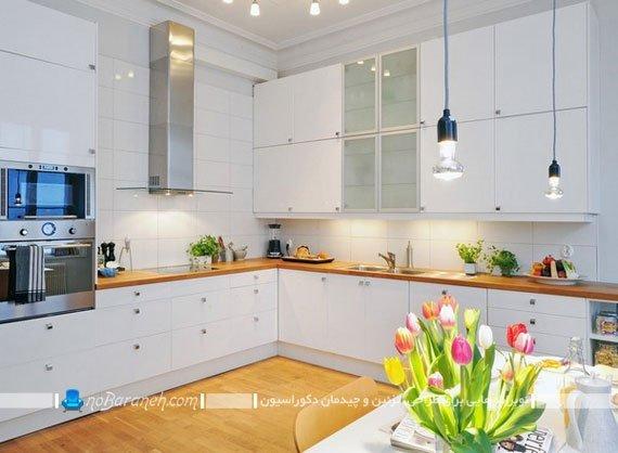 ترکیب رنگ سفید و طرح چوب در دکوراسیون و کابینت آشپزخانه