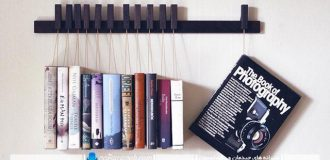 مدل کتابخانه دیواری ساده گیره ای با بدنه چوبی