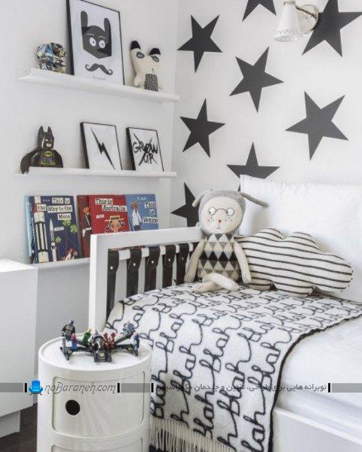 تزیین دیوارهای اتاق کودک با استیکر و شلف