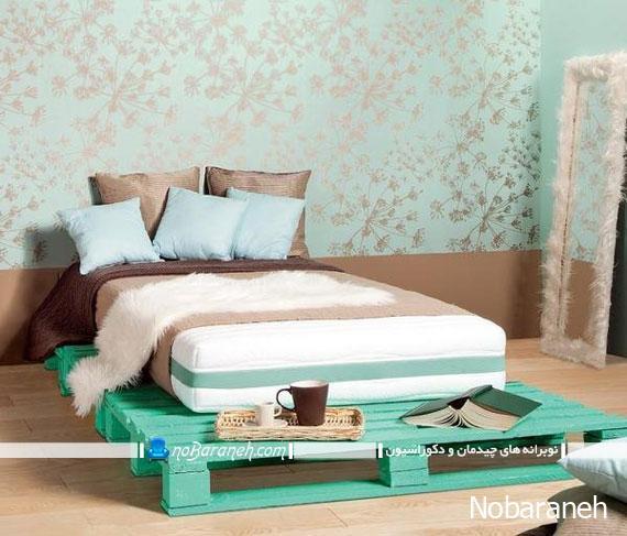 تخت خواب های ساده، که با تخته و پالت چوبی ساخته شده اند