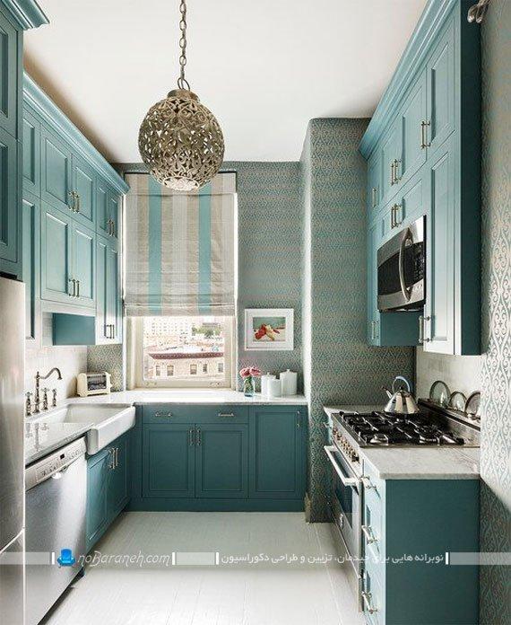 آشپزخانه کوچک با کابینت های کلاسیک