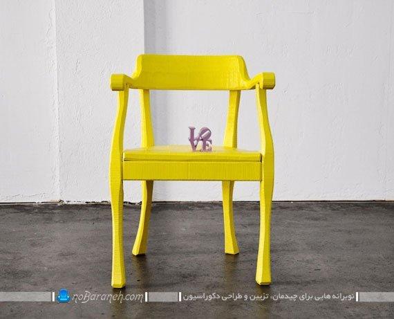 صندلی چوبی زرد رنگ
