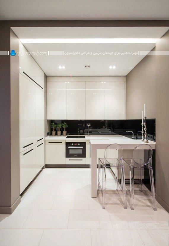 آشپزخانه مدرن با کابینت های سفید رنگ