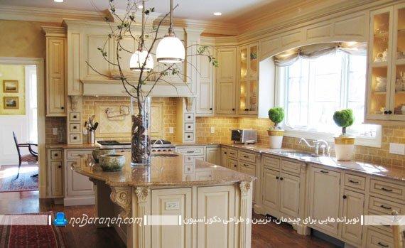 طراحی دکوراسیون آشپزخانه با کرم. دکوراسیون کلاسیک آشپزخانه با رنگ کرم و قهوه ای. مدل آشپزخانه سلطنتی