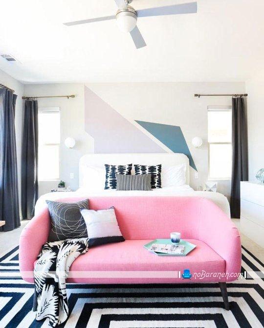 نقاشی اشکال هندسی روی دیوار و فرش