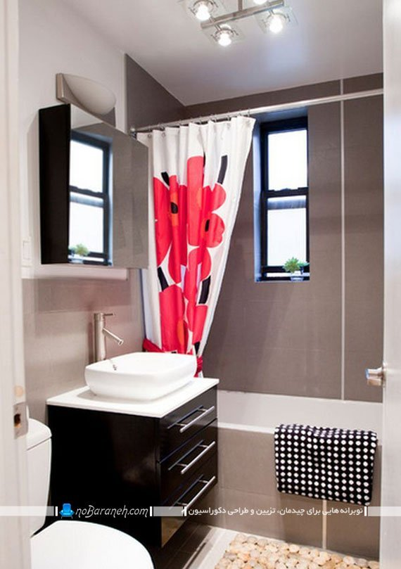 پرده طرح دار حمام