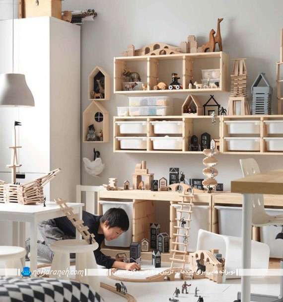 قفسه بندی چوبی و دیواری ظریف برای اتاق کودک
