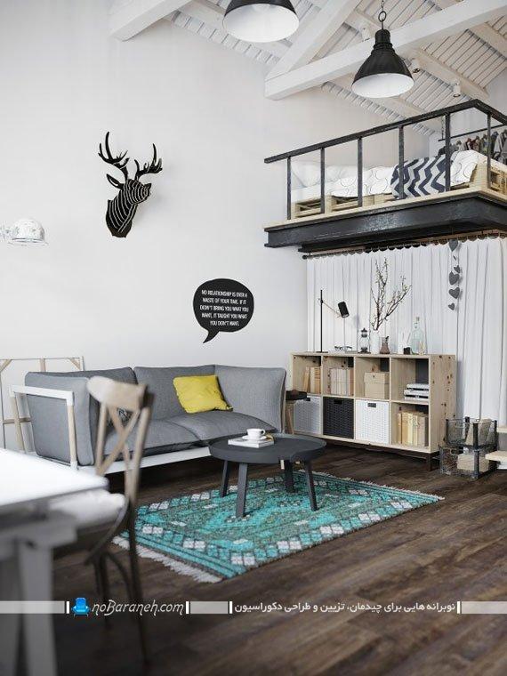 قفسه بندی چوبی و شیک اتاق نشیمن در خانه دوبلکس