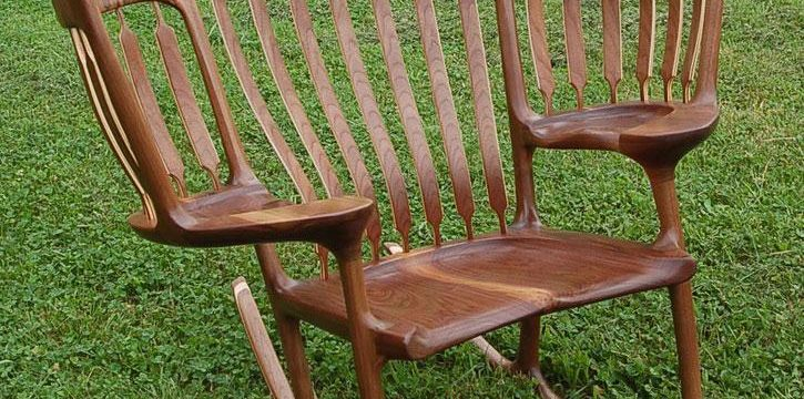 صندلی چوبی زیبا