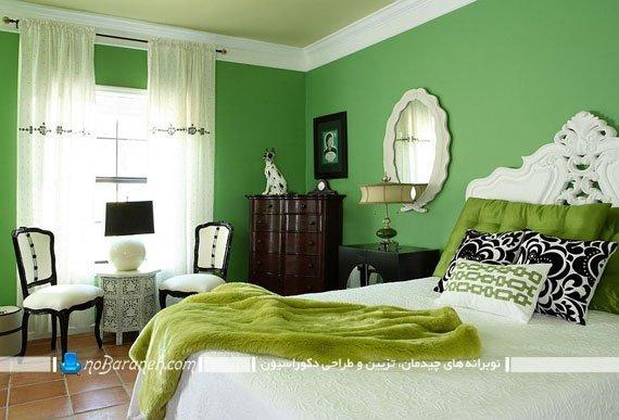 اتاق خواب کلاسیک با دیوارهای سبز رنگ