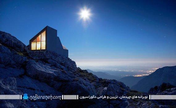 کمپ و پناهگاه چوبی بر لبه صخره های کوه آلپ