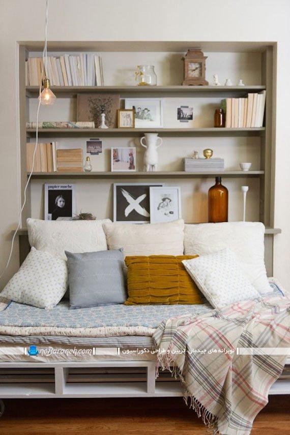 کتابخانه و قفسه بندی چوبی ساده
