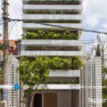 نمای داخلی و خارجی سبز و زیبا در خانه کوچک چند طبقه
